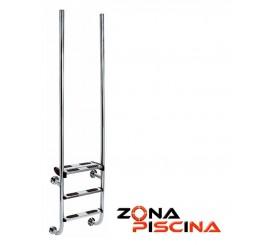 Escalera en AISI 316 con barras verticales de diseño.