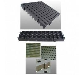 Loseta para formar un pavimento antideslizante enfocado para piscinas